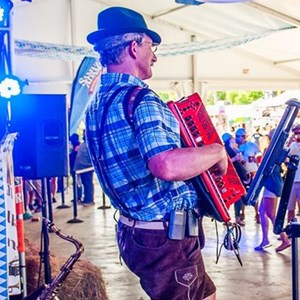 Blue 40s Band | Larry Roberts Polka Band
