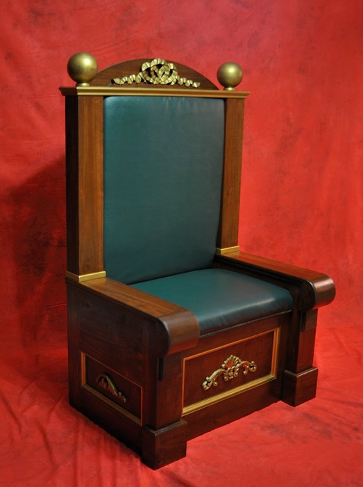 Portable Santa Throne availilable