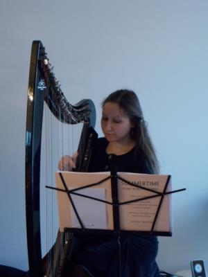 Marlène Cassar, Harpist | Portland, OR | Harp | Photo #3