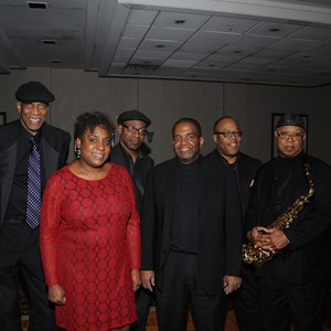 Newark Top 40 Band | The   B Band