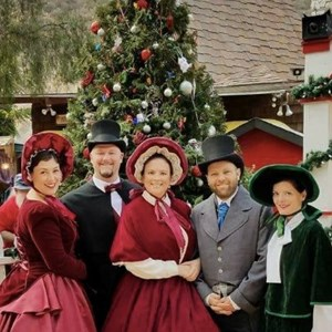 Mission Viejo, CA Christmas Caroler | The Fireside Carolers