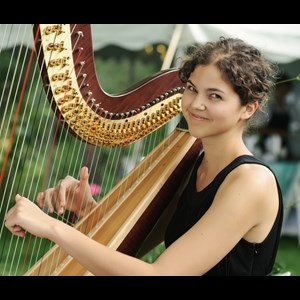 Maple Lake Harpist | Stephanie Claussen, harpist