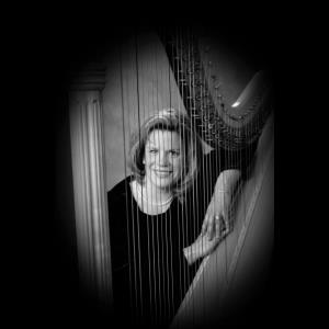 Rew Harpist | Harpist Ruth Hunter