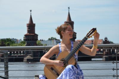 Classical guitar woman | New Haven, CT | Guitar | Photo #4