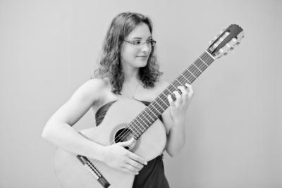 Classical guitar woman | New Haven, CT | Guitar | Photo #6