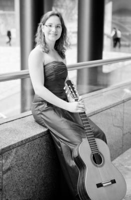 Classical guitar woman | New Haven, CT | Guitar | Photo #2