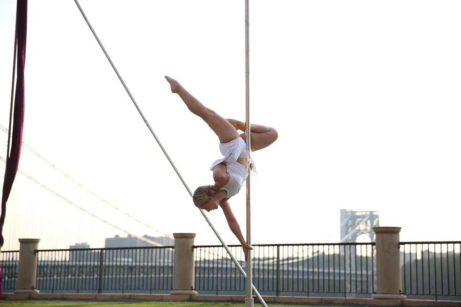 Colleen - Acrobatic Pole Performer - Acrobat - New York City, NY