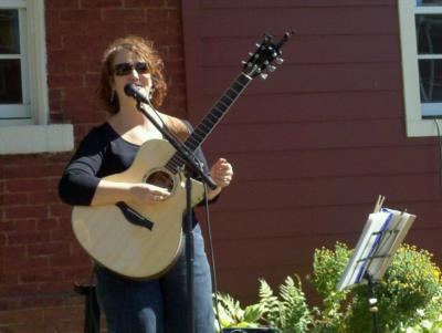 Leanne Regalla | Ambridge, PA | Pop Acoustic Guitar | Photo #17