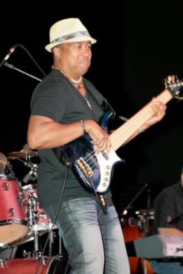 Energetic Seasoned Bassist | Irvine, CA | Singer Guitarist | Photo #3