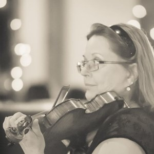 Oregon City, OR Classical Violinist | Fairytale Violin Music