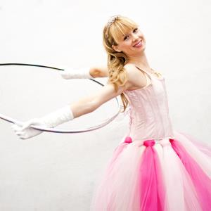 Isabella Hoops Entertainment - Circus Performer - Toronto, ON