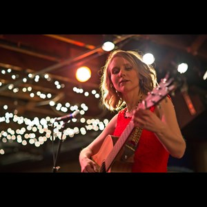 Lincoln Folk Singer | Laura Joy