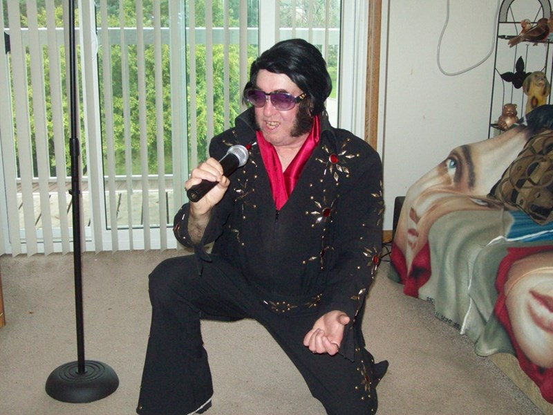 Elvis Singing Telegrams by floyd - Elvis Impersonator - Kentwood, MI