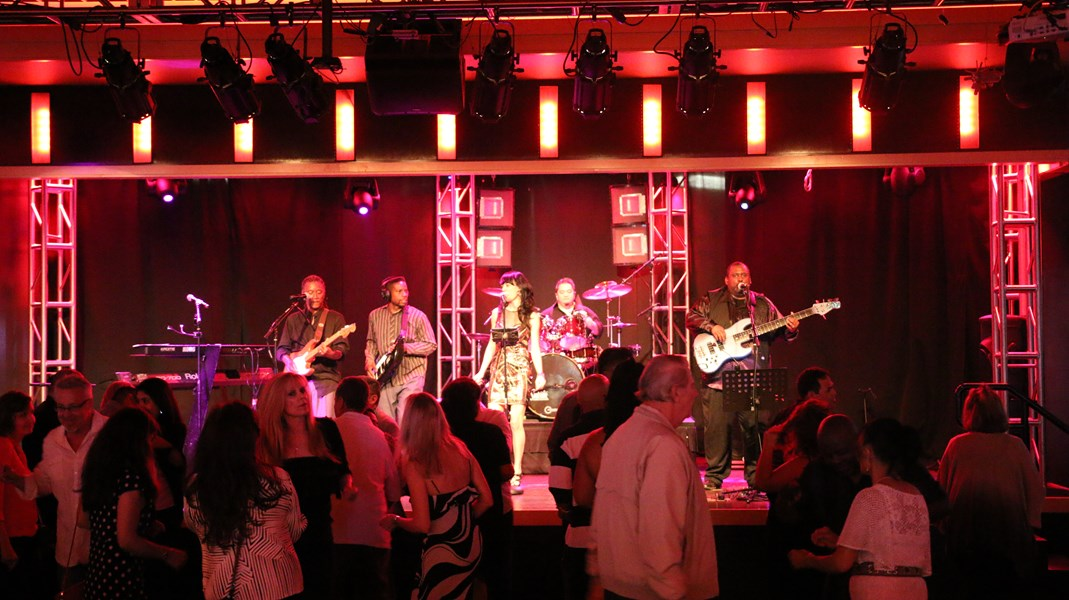 Mia Karter & The Hits - Top 40 Band - Newport Beach, CA