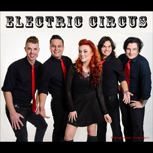 Moody 80s Band | Electric Circus