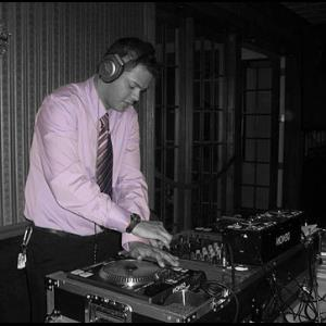 Professional Bilingual DJ for All Festive Events! - Mobile DJ - Clinton, WI