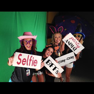 Vinton Photo Booth | Flipbook, Photo Graffiti Wall, Photo Booth