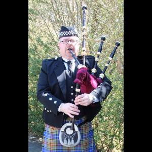 Hershey Bagpiper | Thom Moore, Professional Bagpiper