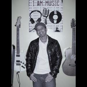 Iowa One Man Band | Live Music - Russ Lachney - Acoustic