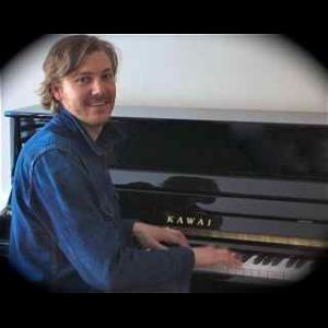 Fiskeville Pianist | Johnny Lingo
