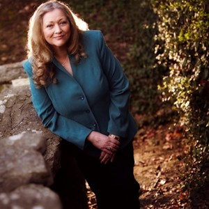Cabell Keynote Speaker | Mary Claire O'Neal, Keynote Speaker, Author