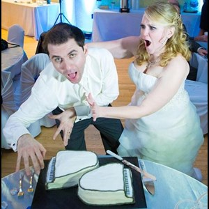 Dateland Wedding Singer | Premier Piano Shows