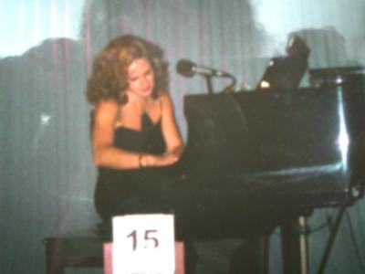 Lynn Brownell-Singer/Songwriter/Pianist | Bloomington, MN | Piano | Photo #10