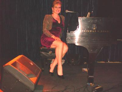 Lynn Brownell-Singer/Songwriter/Pianist | Bloomington, MN | Piano | Photo #11