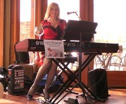 Lynn Brownell-Singer/Songwriter/Pianist | Bloomington, MN | Piano | Photo #1