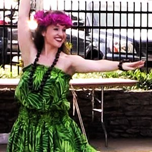 Kentucky Hawaiian Dancer | Hawaiian Hula and Tahitian Dance Entertainment