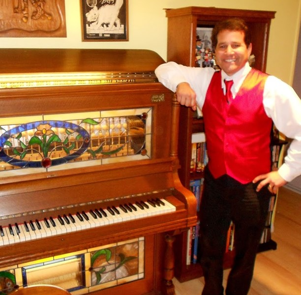 Steve Ormond, Pianist and Accordion Player - Ambient Pianist - Thousand Oaks, CA
