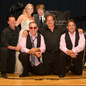 Holmesville 80s Band | Element Variety Band