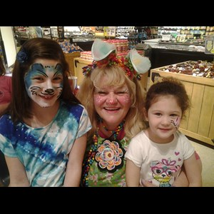Marion Clown | Merry Mary Face Painter