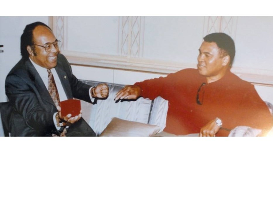Performing magic with Muhammed Ali
