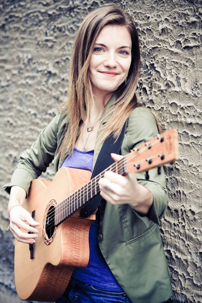 Allison Preisinger - Folk Singer - Seattle, WA
