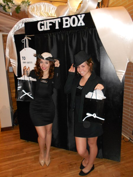 Gift Box Photo Booth - Photo Booth - Tucson, AZ