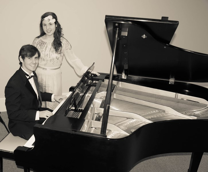 Clay Gatlin and Anna Alford - Oldies Pianist - Hattiesburg, MS