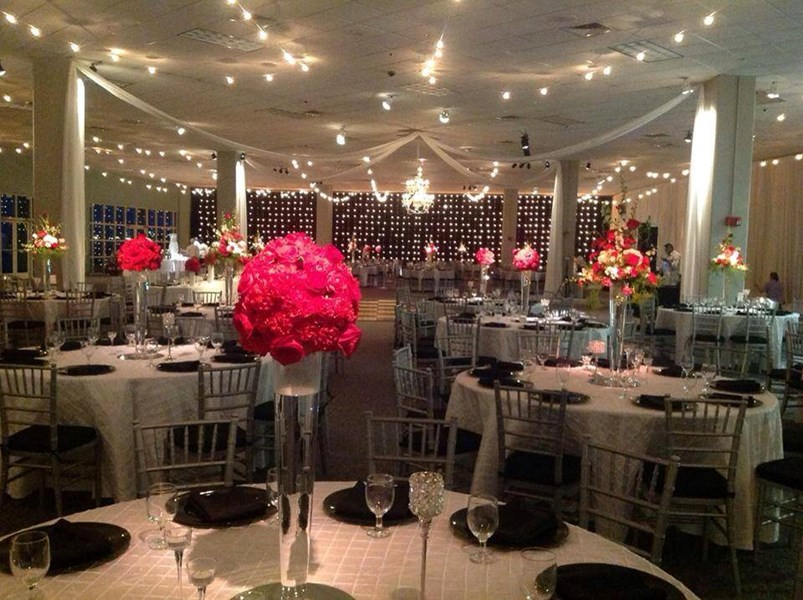 Chic Weddings by Jacqueline - Event Planner - Mobile, AL