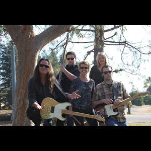 Woodlake Cover Band | Beside Jukebox