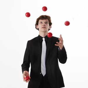 Madison Magician | David Colling Circus Artist