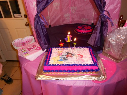 Issabellas first birthday party