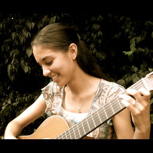 Saint Louis Classical Guitarist | Alyssa Catlin