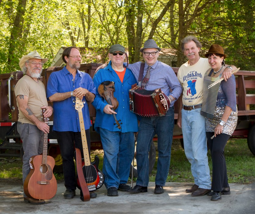Full band with fiddler Roger Weiss