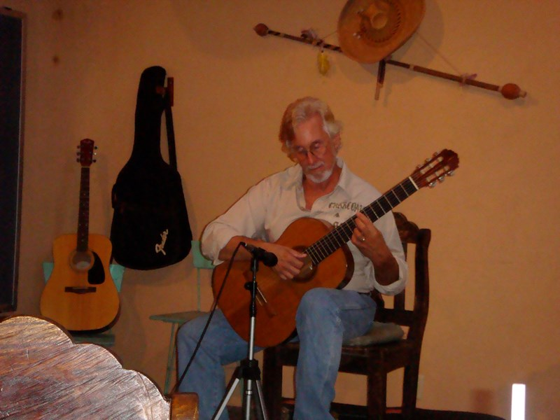 Lee Eisenstein, Hoku Award Winning Guitarist - Classical Guitarist - Honolulu, HI