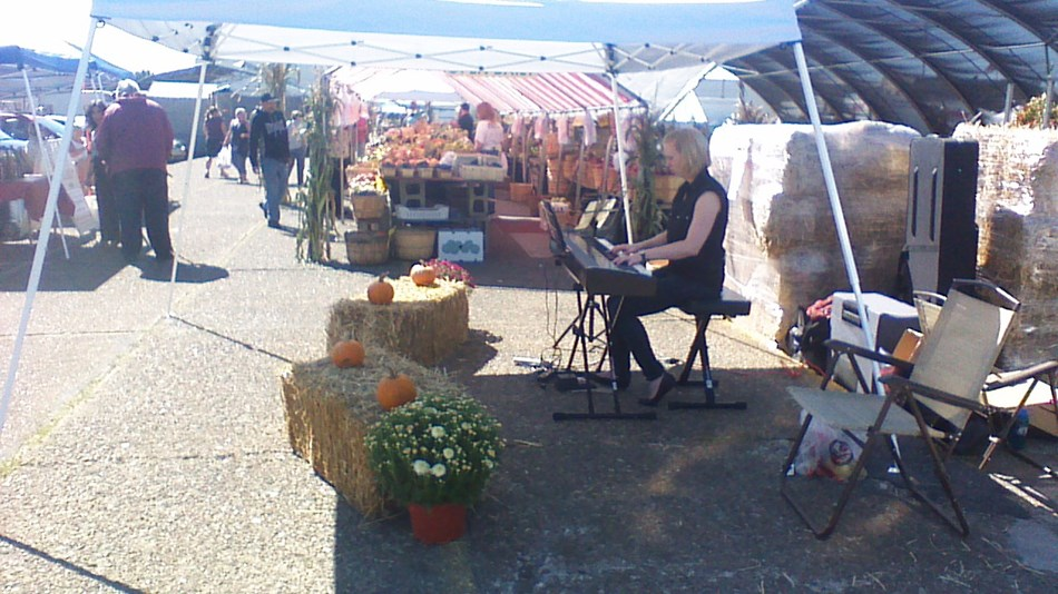 Outdoor piano for farmers market