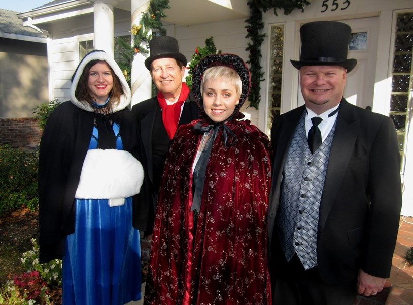 Encore at Christmas    Dickens Carolers - Christmas Caroler - Sacramento, CA