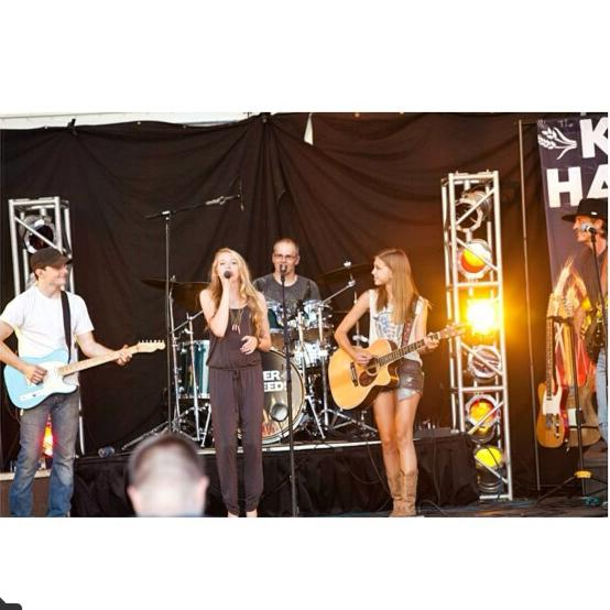 Erin and Madison - ME 2 Music - Acoustic Band - Lakeville, MN