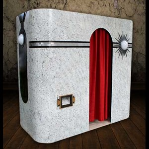 Kansas Photo Booth | The Looking Glass Photo Booths