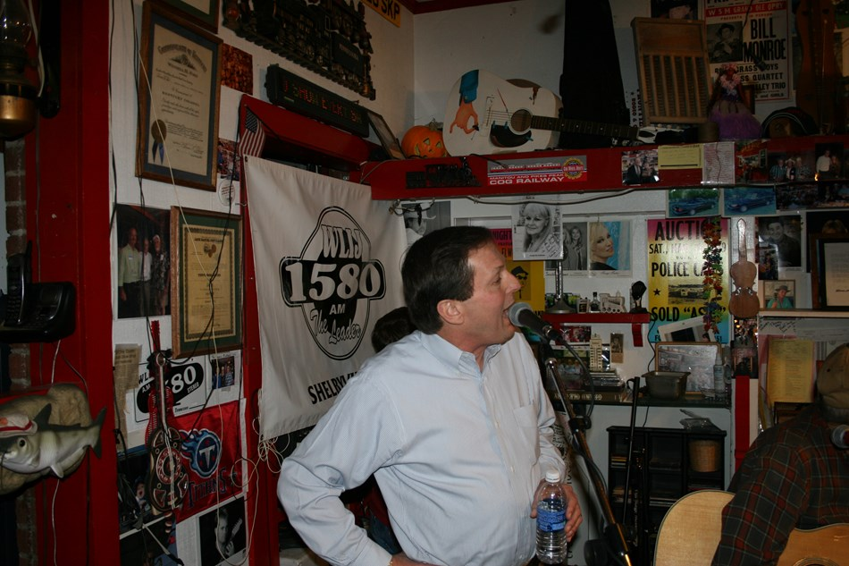 Lynchburg, TN syndicated radio show
