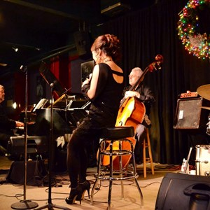 Seattle Jazz Singer | Vivianna O
